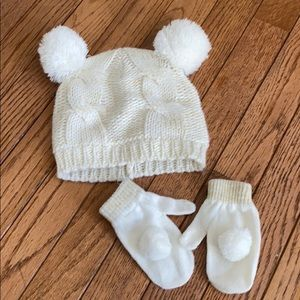 Ivory and gold Pom Pom hat/mittens set 2T-3T